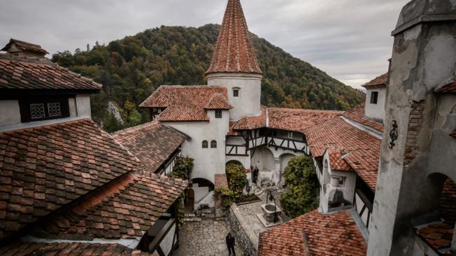 Private Tour to Bran Castle (Dracula's Castle)