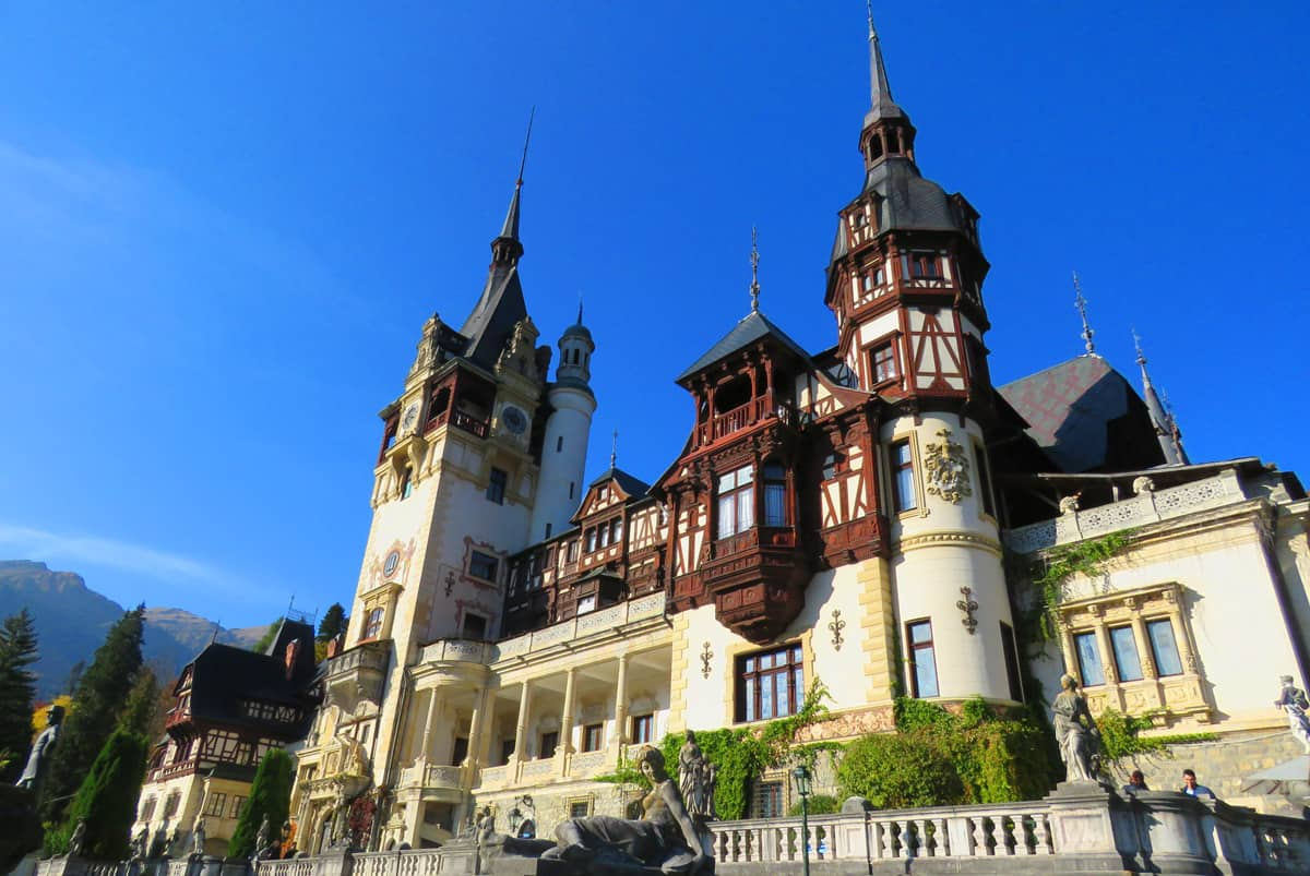 TRANSFER BUCHAREST TO PELES CASTLE